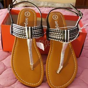 NWOT Cat & Jack Girls' Thong Sandals SZ 2